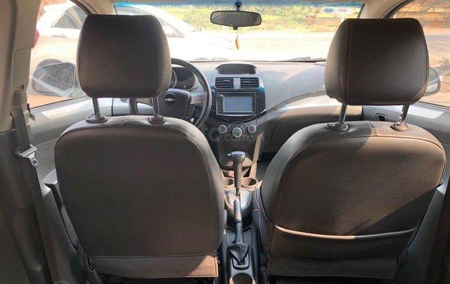 Cần bán lại xe Chevrolet Spark năm sản xuất 2015, màu bạc số tự động8