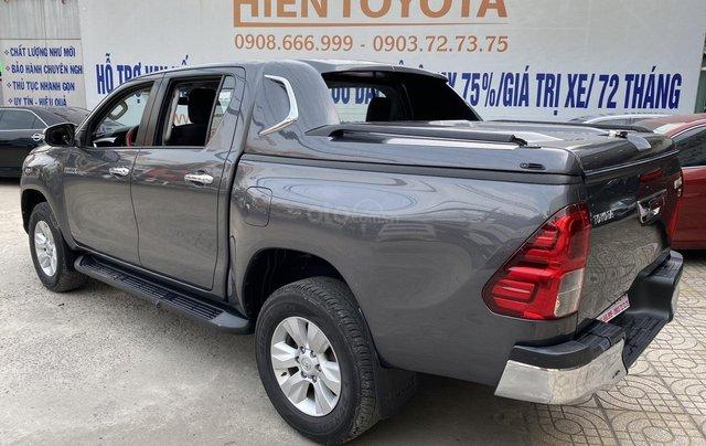 Toyota Hilux 4WD, 2 cầu, số sàn, nhập Thái Lan, ĐK 06/20161