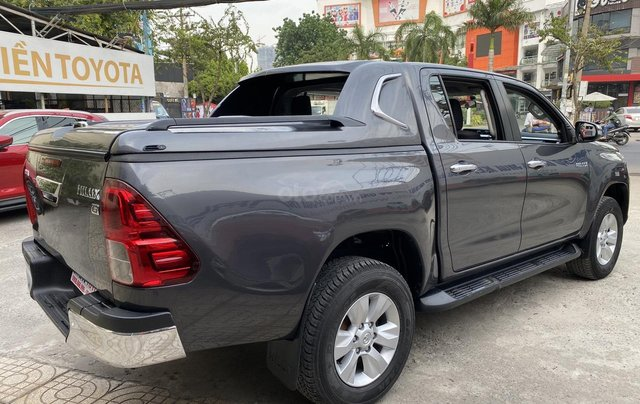 Toyota Hilux 4WD, 2 cầu, số sàn, nhập Thái Lan, ĐK 06/20163