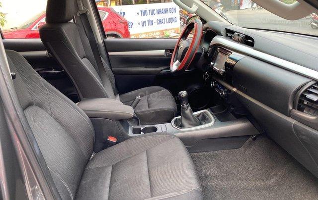 Toyota Hilux 4WD, 2 cầu, số sàn, nhập Thái Lan, ĐK 06/20164