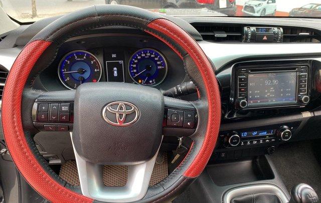 Toyota Hilux 4WD, 2 cầu, số sàn, nhập Thái Lan, ĐK 06/20166