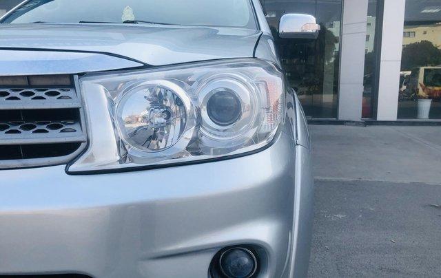 Toyota Fortuner V 2.7 4x4 2 cầu model 2012 màu bạc9