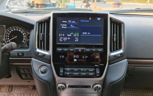 Bán Toyota Land Cruiser VXR 5.7L, sản xuất 2019, màu đen, xe Trung Đông, xe cũ1