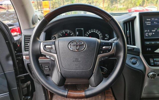 Bán Toyota Land Cruiser VXR 5.7L, sản xuất 2019, màu đen, xe Trung Đông, xe cũ11