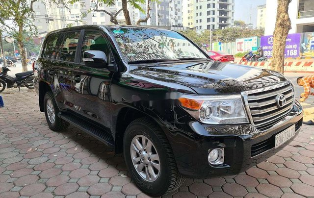 Cần bán xe Toyota Land Cruiser sản xuất năm 2013, nhập khẩu nguyên chiếc0