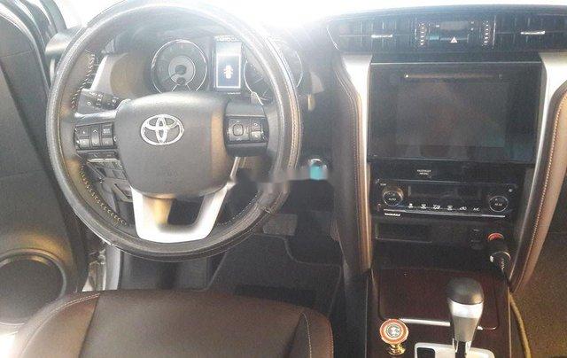 Cần bán lại xe Toyota Fortuner năm sản xuất 2019 còn mới, giá tốt4