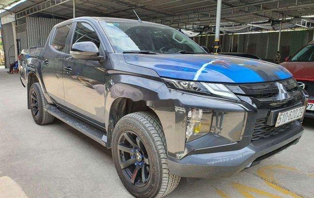 Cần bán Mitsubishi Triton đời 2019, màu xám, nhập khẩu1