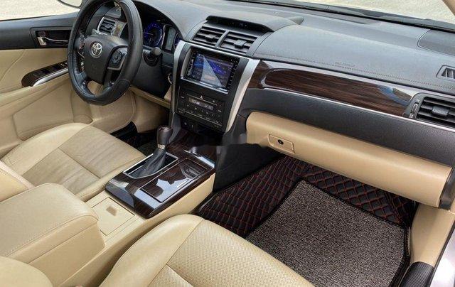Bán Toyota Camry 2.0E năm 2017, giá chỉ 855 triệu10