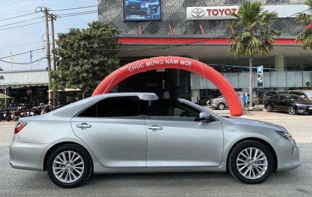 Bán Toyota Camry 2.0E năm 2017, giá chỉ 855 triệu1