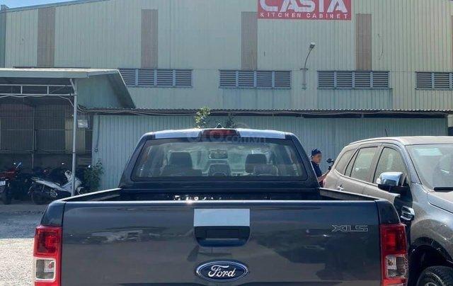 Ford Ranger XLS AT, MT 2021 ưu đãi tiền mặt + phụ kiện lên đến 20tr1