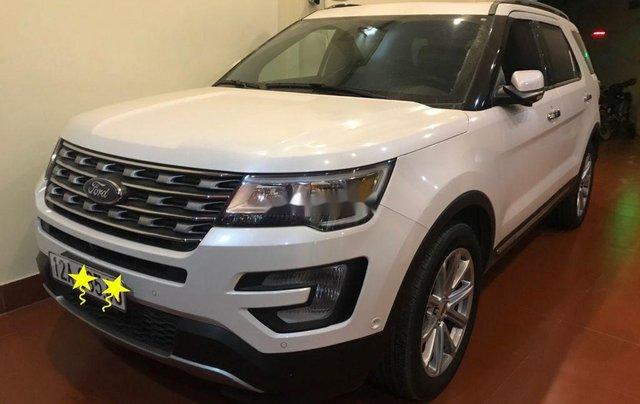 Cần bán gấp Ford Explorer sản xuất 2017, xe nhập0