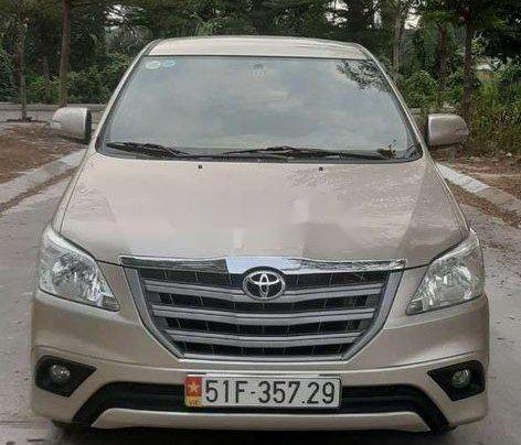 Cần bán xe Toyota Innova năm 2015, xe chính chủ giá mềm0
