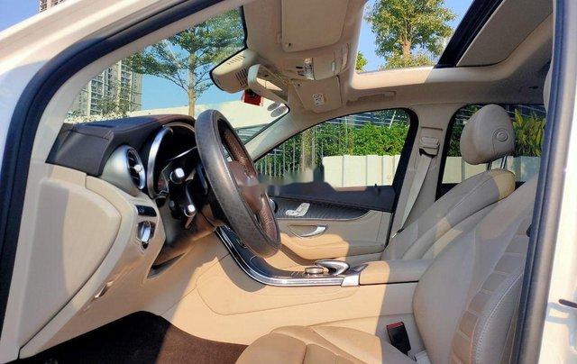 Xe Mercedes GLC 300 năm sản xuất 2017, xe chính chủ giá thấp8