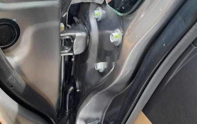 Cần bán xe Honda Civic sản xuất 2009 còn mới, 375 triệu9