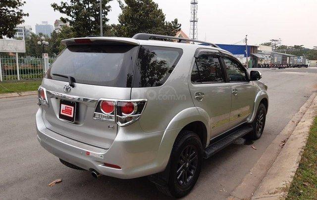 Xe Toyota Fortuner sản xuất 2016, màu bạc số sàn3