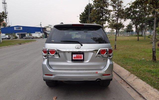 Xe Toyota Fortuner sản xuất 2016, màu bạc số sàn1