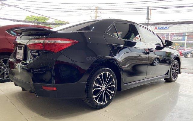 Bán xe Toyota Corolla Altis 2.0AT, màu đen, trả góp chỉ 206 triệu5