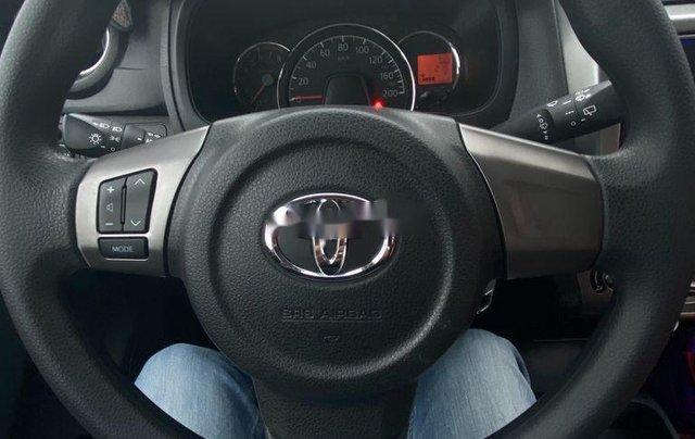 Cần bán xe Toyota Wigo năm 2018, xe nhập còn mới4