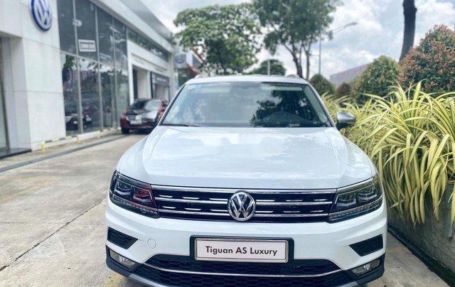 Cần bán xe Volkswagen Tiguan Luxury sản xuất năm 2019, nhập khẩu nguyên chiếc0