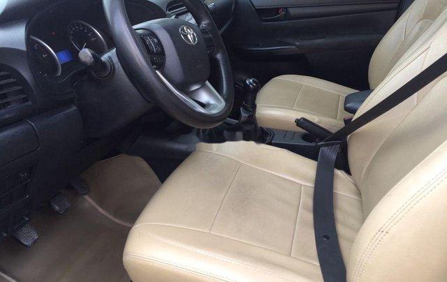 Cần bán xe Toyota Hilux 2.5E MT năm 2015, nhập khẩu nguyên chiếc, giá tốt6