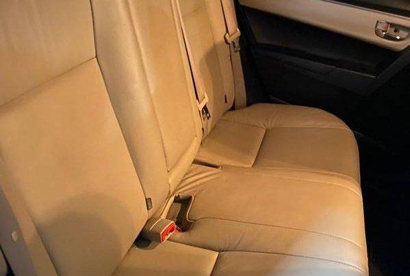 Cần bán gấp Toyota Corolla Altis sản xuất 2015 còn mới, giá tốt2