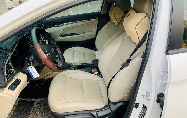 Xe Hyundai Elantra 1.6AT sản xuất năm 2020 chính chủ giá cạnh tranh8