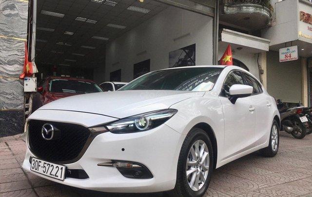 Bán nhanh chiếc Mazda 3 hatchback đời 2019 màu trắng1