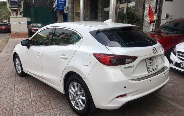 Bán nhanh chiếc Mazda 3 hatchback đời 2019 màu trắng3