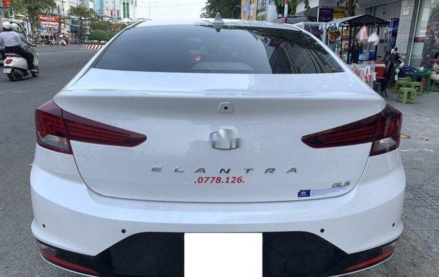 Xe Hyundai Elantra 1.6AT sản xuất năm 2020 chính chủ giá cạnh tranh3