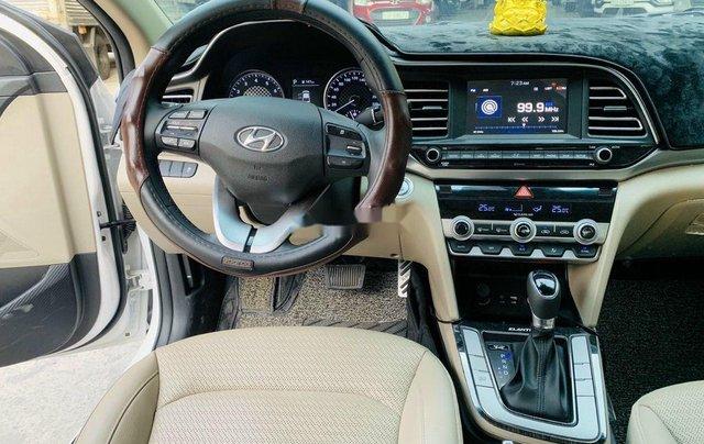 Xe Hyundai Elantra 1.6AT sản xuất năm 2020 chính chủ giá cạnh tranh9