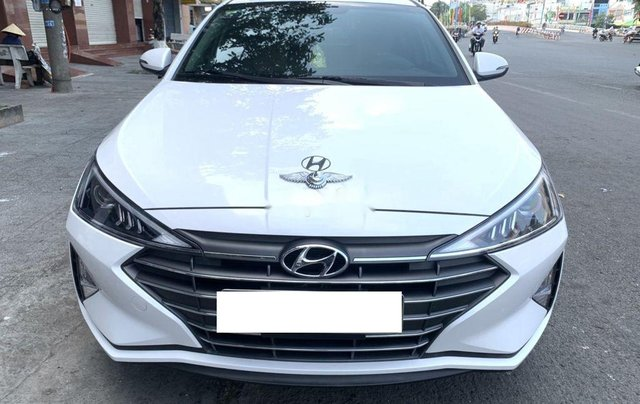 Xe Hyundai Elantra 1.6AT sản xuất năm 2020 chính chủ giá cạnh tranh1