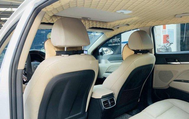 Xe Hyundai Elantra 1.6AT sản xuất năm 2020 chính chủ giá cạnh tranh7