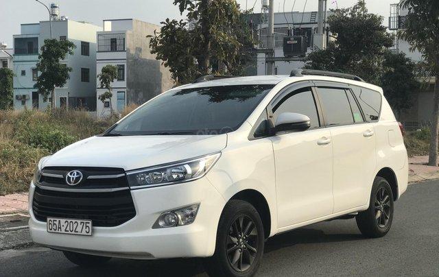 Cần bán Toyota Innova sản xuất năm 2019, màu trắng, số sàn2