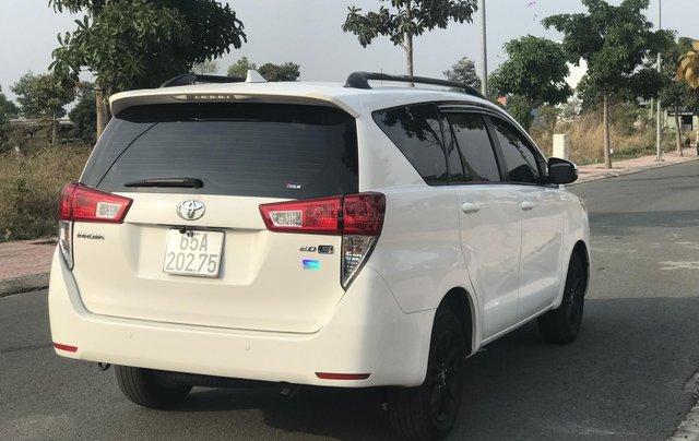 Cần bán Toyota Innova sản xuất năm 2019, màu trắng, số sàn5