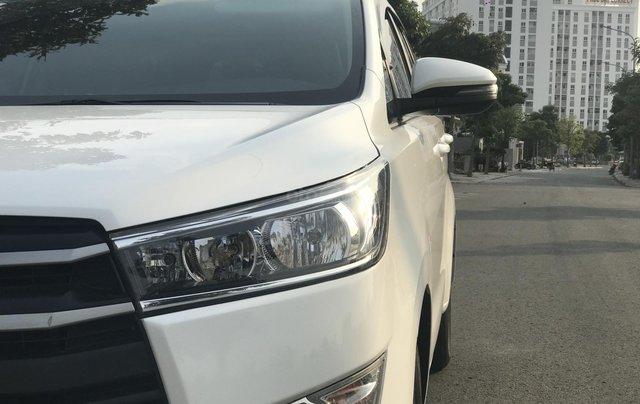Cần bán Toyota Innova sản xuất năm 2019, màu trắng, số sàn8