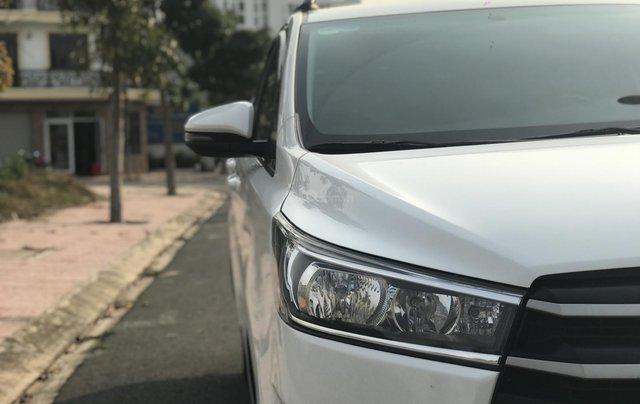 Cần bán Toyota Innova sản xuất năm 2019, màu trắng, số sàn9