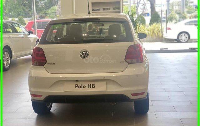 Đang tìm xe cho vợ, xe nhập, an toàn chọn xe nào, gọi Thuận có giá đặc biệt T2/2021 cho Polo Hatchback màu trắng này8
