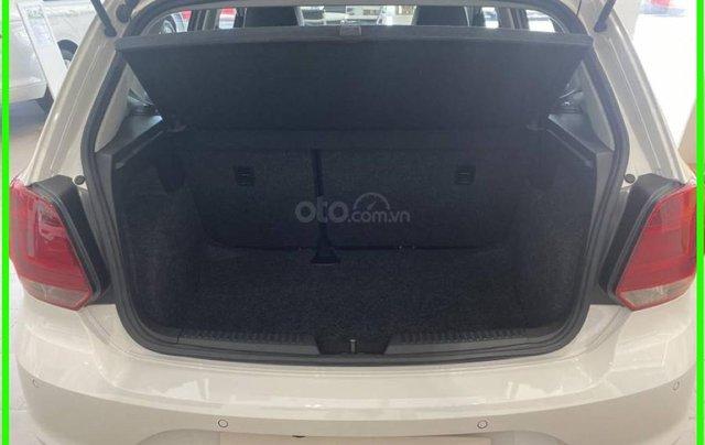 Đang tìm xe cho vợ, xe nhập, an toàn chọn xe nào, gọi Thuận có giá đặc biệt T2/2021 cho Polo Hatchback màu trắng này9