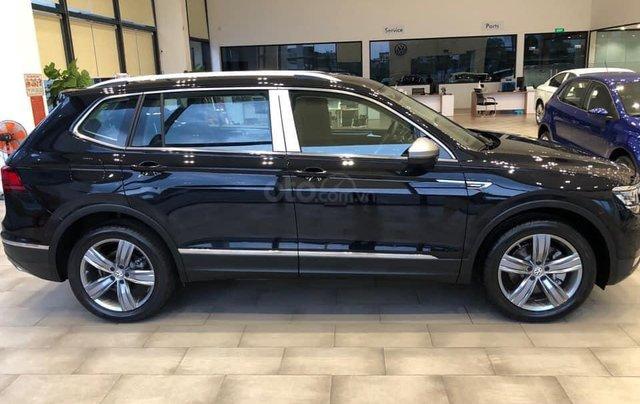 Ưu đãi hấp dẫn tặng IP12 và bộ kiện cao cấp xe Tiguan Luxury S màu đen nội thất cam-đen mới nhập, 7 chỗ, 2.0TSI3