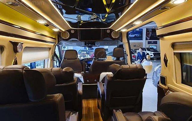 Cần bán Ford Transit Limousine S1 sản xuất 2020, màu đen, giá chỉ 939 triệu2