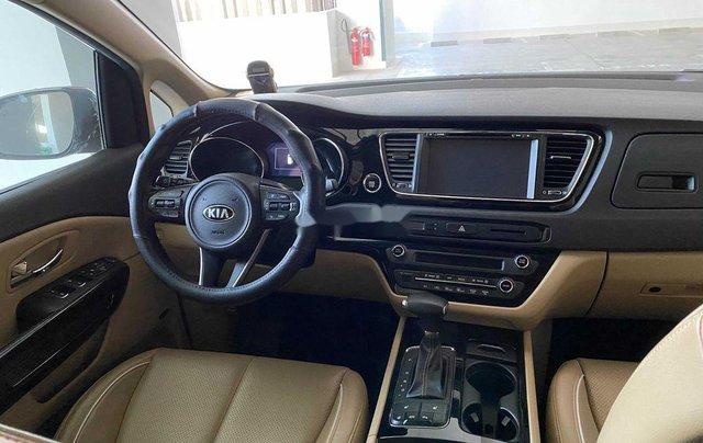 Bán xe Kia Sedona năm 2018 còn mới2