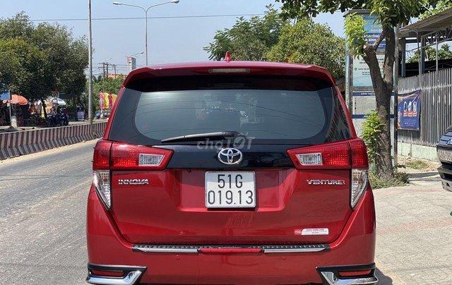 Cần bán Toyota Innova sản xuất năm 2017 còn mới2