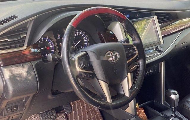 Cần bán Toyota Innova sản xuất năm 2017 còn mới6