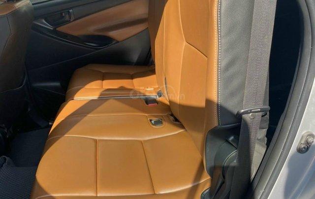 Mới về Toyota Innova sản xuất 2018 bản 2.0E, số sàn, màu bạc9