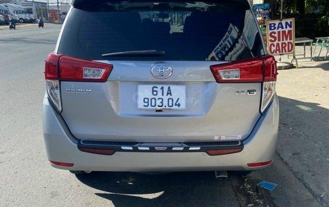 Mới về Toyota Innova sản xuất 2018 bản 2.0E, số sàn, màu bạc3