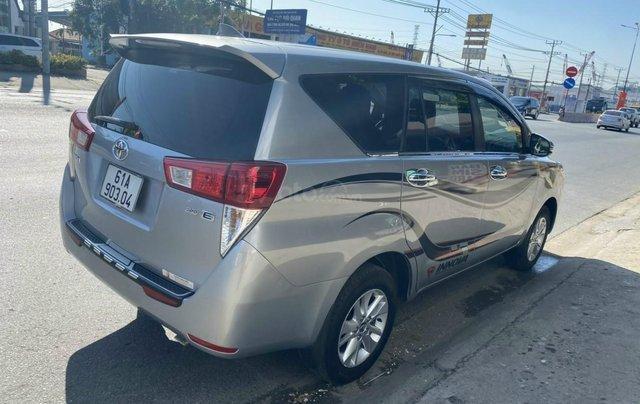 Mới về Toyota Innova sản xuất 2018 bản 2.0E, số sàn, màu bạc2