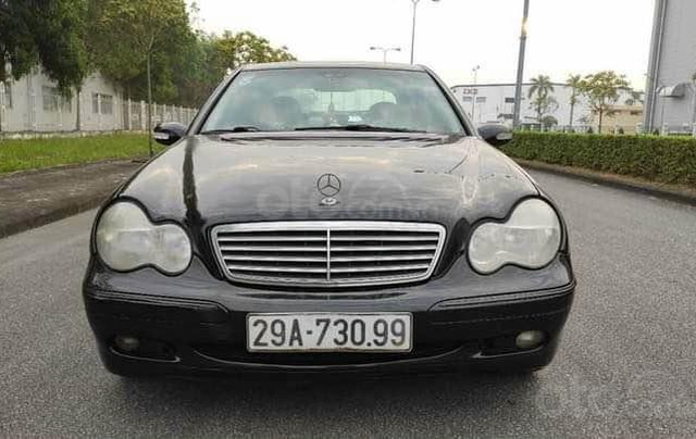 Cần bán nhanh Mercedes C200 sản xuất năm 2002, màu đen, giá thấp0