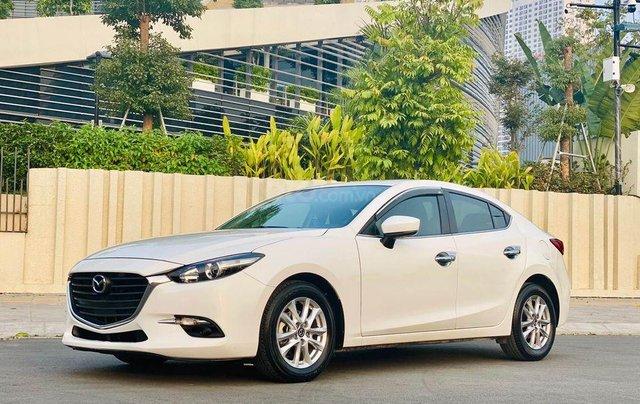 Cần bán lại xe Mazda 3 1.5AT năm 2019, màu trắng giá cạnh tranh1