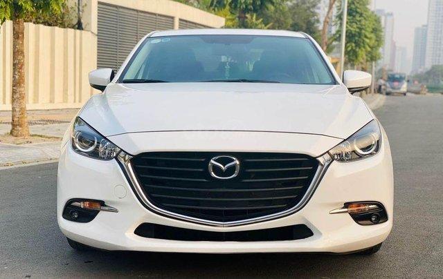 Cần bán lại xe Mazda 3 1.5AT năm 2019, màu trắng giá cạnh tranh0