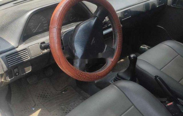 Cần bán xe Mazda 323 năm sản xuất 1995, màu trắng, nhập khẩu5